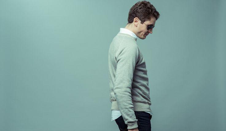 Lean Garments heather grey sweatshirt. Everyday stable that every guy should own. #wardrobestables #essentials #sweatshirt #loopwheel #loopwheeled #madeinjapan #menswear #streetwear #rawdenim