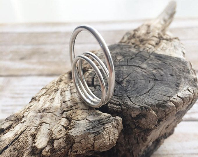 Sterling silver ring - open circles ring - oval and circle geometric ring - minimalist ring - wire ring - rings ring  Handmade by Carla Amaro