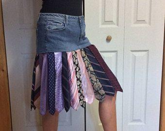 Upcycled Denim rok/Blue Jean rok/korte rok/knie lengte/geplooid rok/gerecycled stropdas rok/voorzien kleding/Womens grootte 10 rokken