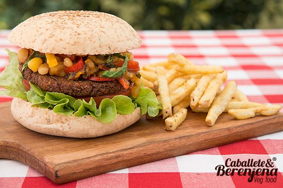 #Hamburvegsa de Lenteja Veggie BBQ la mejor de bogota. vegetales en salsa bbq casera sin conservantes. #HomeMade #Vegan