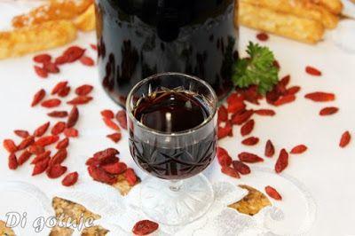 Di gotuje: Nalewka z owoców goji na miodzie (nalewka wiecznej...