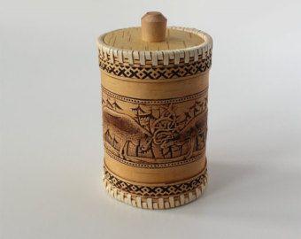 Cucina in legno Elk Jar, betulla corteccia Alaskan eschimesi - contenitore decorativo intagliato tradizionale, cucina rustica Decor vaso americano ornamento cervi