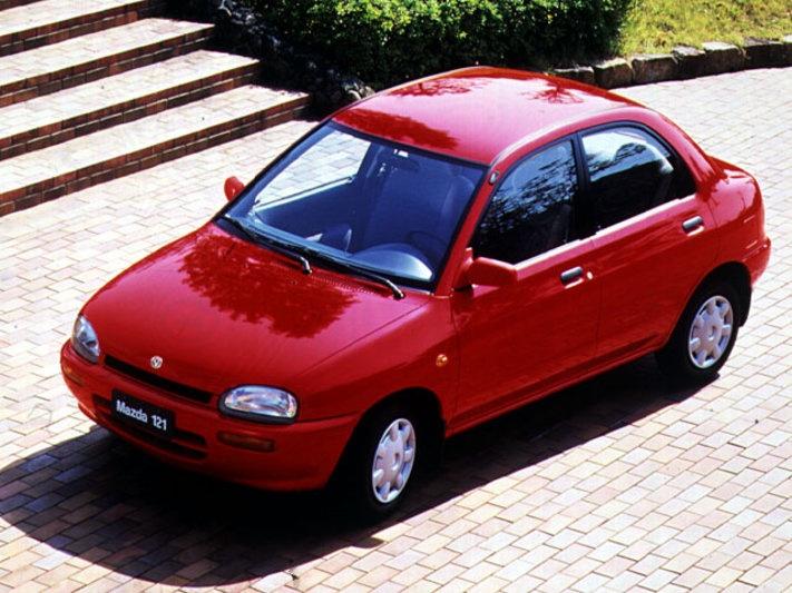 Mazda 121 1.3i LX specificaties   Auto vergelijken - AutoWeek.nl