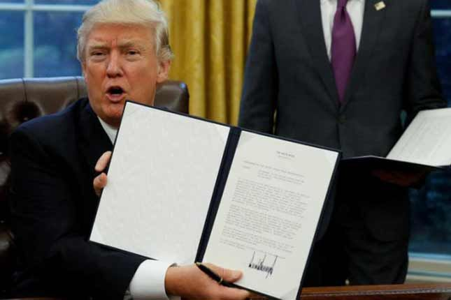Donald Trump signs three executive memos. #DonaldTrump #Trump #Trump2017 #MAGA #PresidentTrump