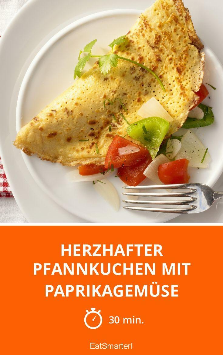 Herzhafter Pfannkuchen mit Paprikagemüse - smarter - Zeit: 30 Min. | eatsmarter.de