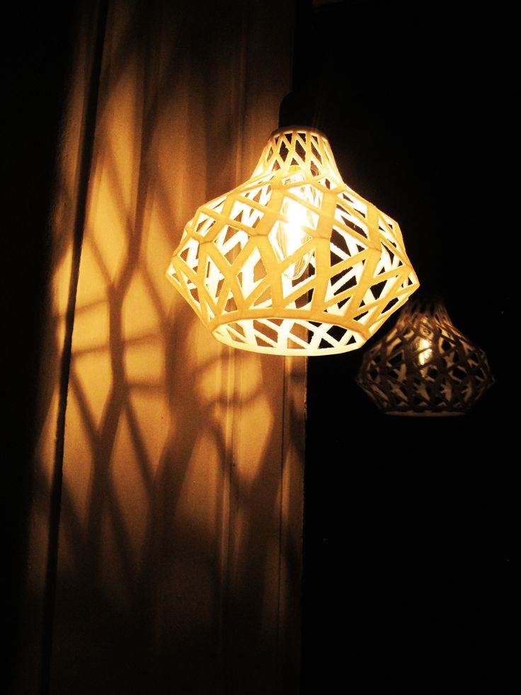 Lampeshade TWIST 3D printed, www.smart3dprint.nl