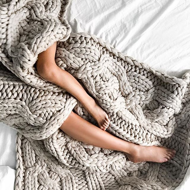 Knitting A Throw Blanket: 25+ Best Ideas About Cable Knit Blankets On Pinterest