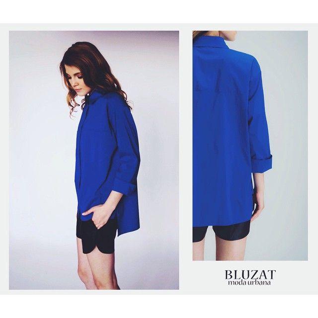 Ieși in evidentă la birou cu cămașă larga basic Longbas, in culoarea albastra. Shop Now #bluzat #modaurbana #fashion #summer #feelgood #shorts #bucharest