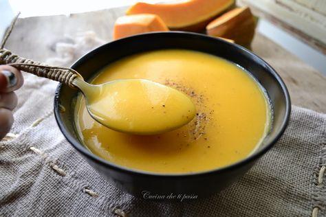 Vellutata di zucca e patate, per combattere il freddo non c'è niente di meglio di una cremosa vellutata di zucca dal sapoe tutto autunnale! Un cucchiaio tira l'altro!