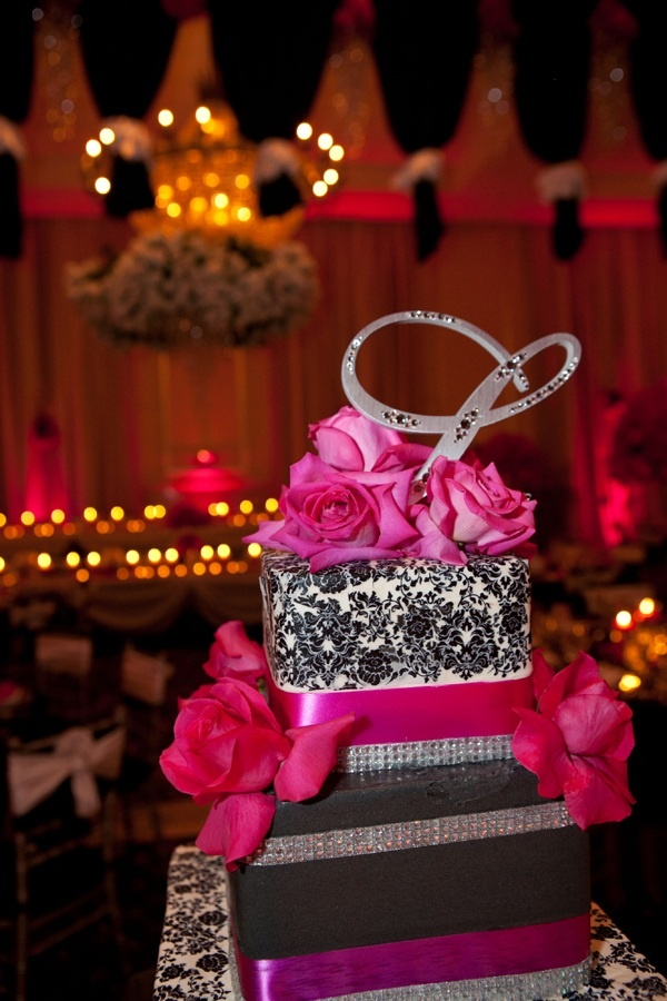 Pink And Black Wedding Cake These Colors Are Amazing Together