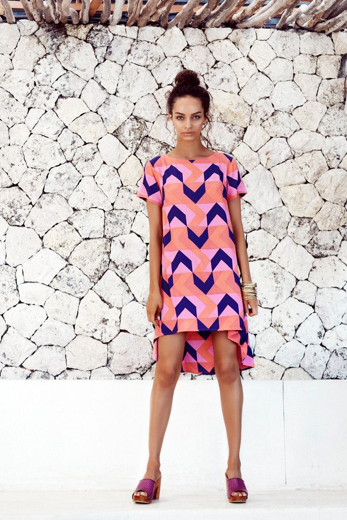 Cannes River Dress T-Shirt sleeve scallop style dress100% Rayon/Viscose, print position may varyModel is wearing size 8 and is 175cmLength of dresses increases by 2cm for each size increaseFor help with sizing and fit, give us a call on (03) 9576 2645 or send us an email at online@misterzimi.com