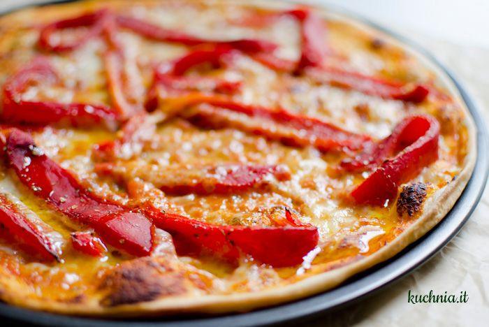 Pizza z pieczoną papryką