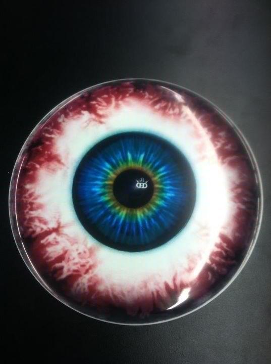 Eye can haz? LOL... get it? Eye... Oh, nevermind.