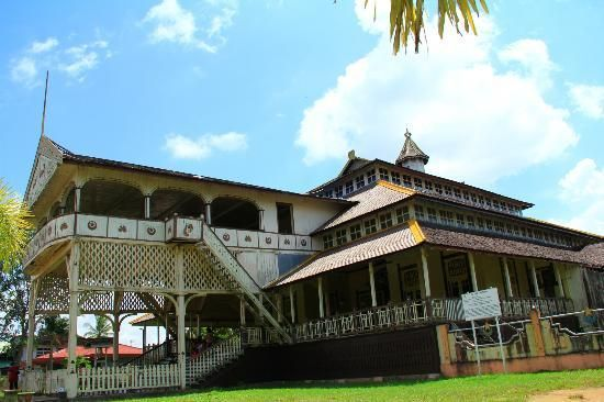 Keraton Kadriah (Kadriah Palace) was built in 1771 A.D. and finished in 1778 A.D, with the first sultan Sayyid Syarif Abdurrahman Alkadri.   This palace is made of the best choice of belian wood for the front part of the palace. The surrounding park is green grass which is neatly organized and clean.   The Kadriah Palace is located in Beting, Dalam Bugis Village, Pontianak, West Kalimantan.  #PontianakHeritage