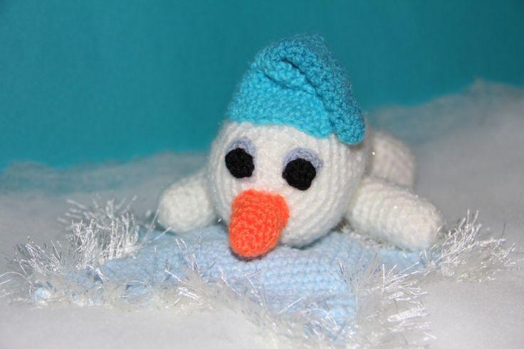 Kostenlose Häkelanleitung - Kleiner Schneemann mit seinem Kuschelstern