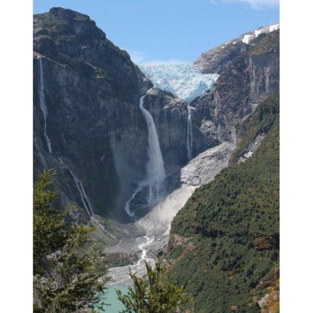 Ventisquero Colgante, Parque Nacional Queulat, XI Región de Aysén. Fotografía de Antonia Errázuriz - Photo by chilediscovery