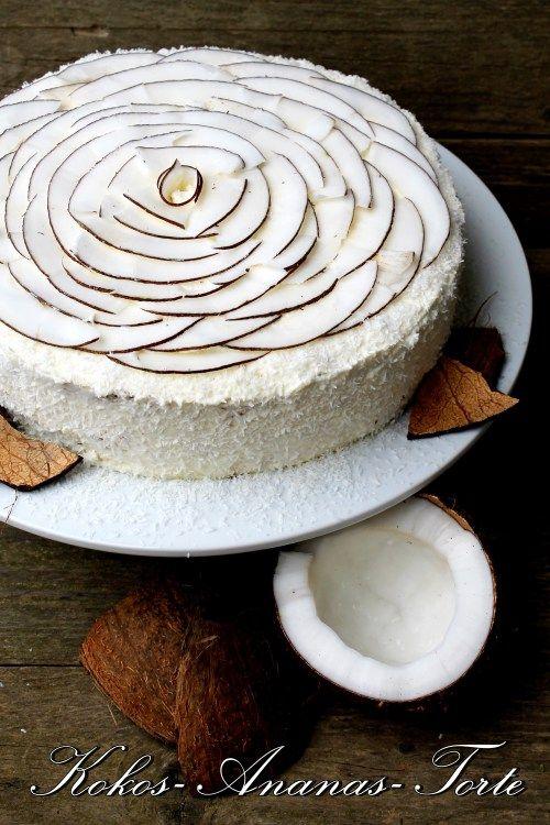 Kokos-Ananas-Torte zum White Dinner + Gewinner – Schokokuss und Zuckerperle
