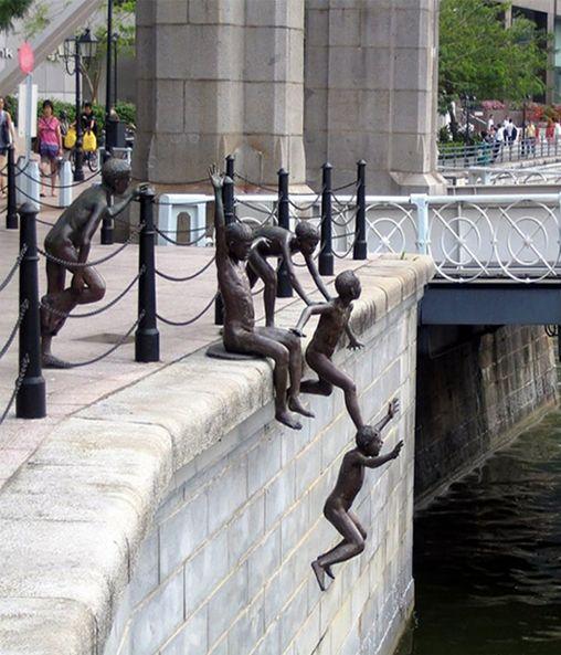 Beautiful Creative Sculpture - Singapore   Full Dose
