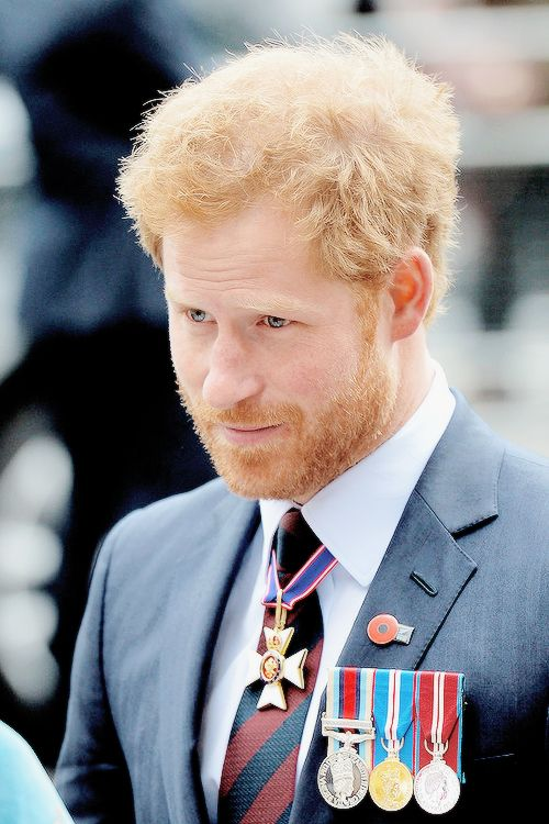Prince Harry attends ANZAC Day service at Westminster Abbey in London, England | April 25, 2016