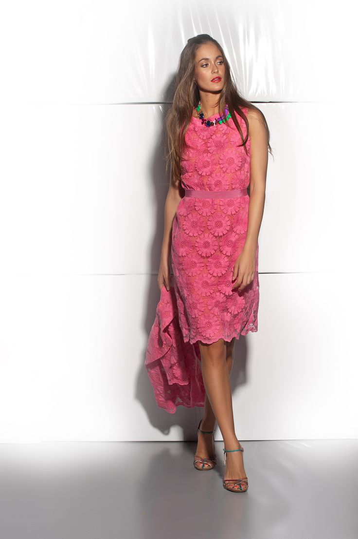 F7613 - Viscose dress with daisy lace. F8792 - Viscose jacket with daisy lace.