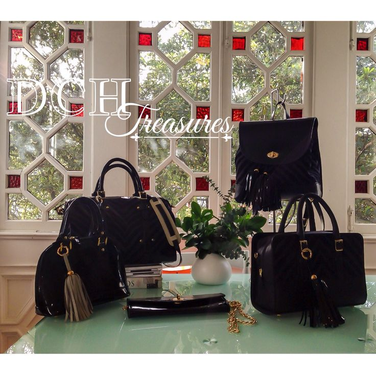 TOTAL BLACK DCH Treasures 2015 www.divinacastidadhandbags.com