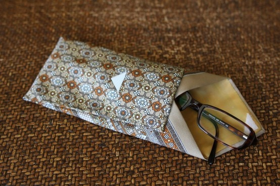 DIY Neck Tie Eyeglass Case