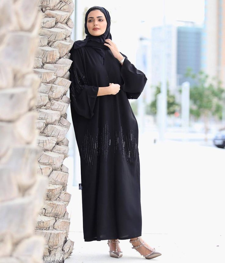 #Repost @haneenalsaify with @instatoolsapp ・・・ I wish u all endless happiness ❤️اتمنى لكم جميعا سعاده ابديه ❤️ . Abaya by : @vandellaline Heels: @maisonvalentino #abayas #abaya #abayat #mydubai #dubai #SubhanAbayas #l4l #intm