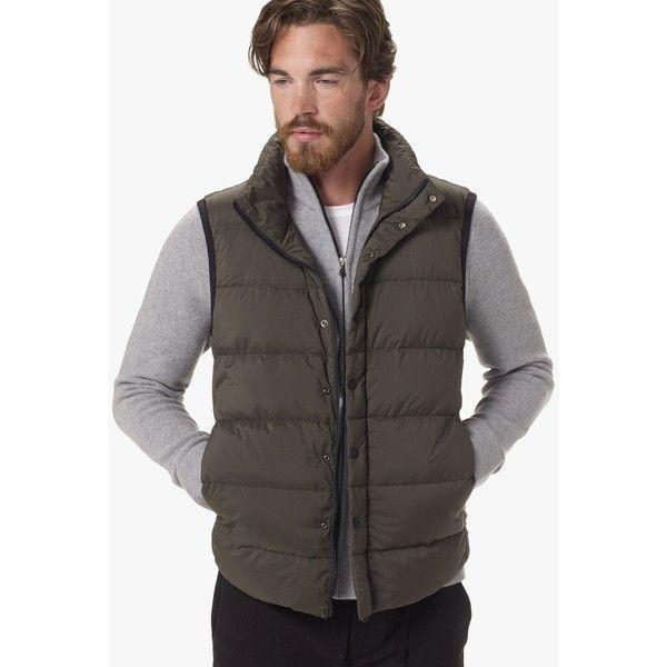 James Perse Yosemite Matte Nylon Puffer Vest (26.015 RUB) ❤ liked on Polyvore featuring men's fashion, men's clothing, men's outerwear, men's vests, fern, mens nylon vest, mens puffer vest, mens vest, mens puff vest and mens lightweight vest