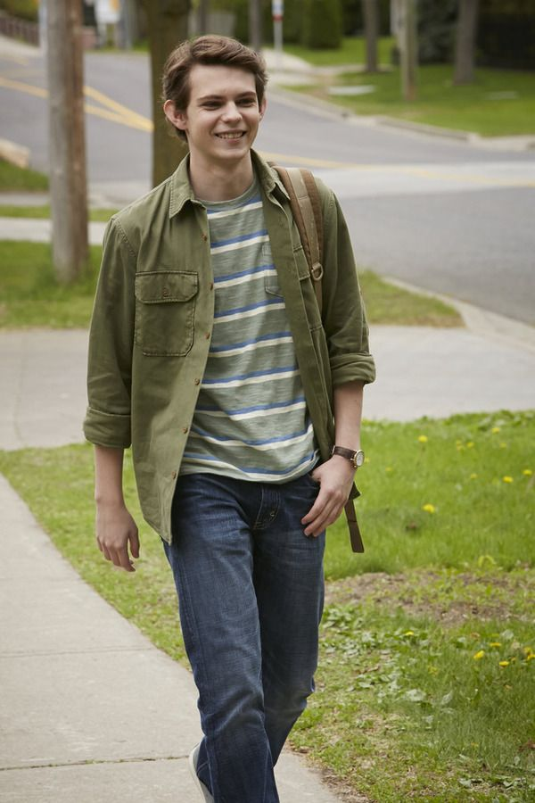 Imagine Robbie was your boyfriend, and he walks with you every morning to school.......My heart would burst out of my chest if I saw that walking toward me every morning!!!!!!!! lol
