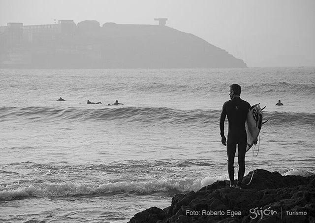 Está pa entrar ¿no?  #Surf #Surfing #Surfers #WaterSports #Playa #Beach #Mar #Sea #Cantábrico #Primavera #Spring #Gijón #Xixón #Asturias #Asturies #AsturiasConSal #NorthernSpainWithZest #Turismo #Tourism