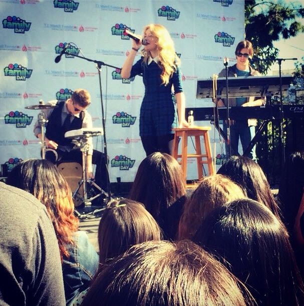 Video: Sabrina Carpenter Talked With Shine On Media About Her Upcoming Album November 16, 2014