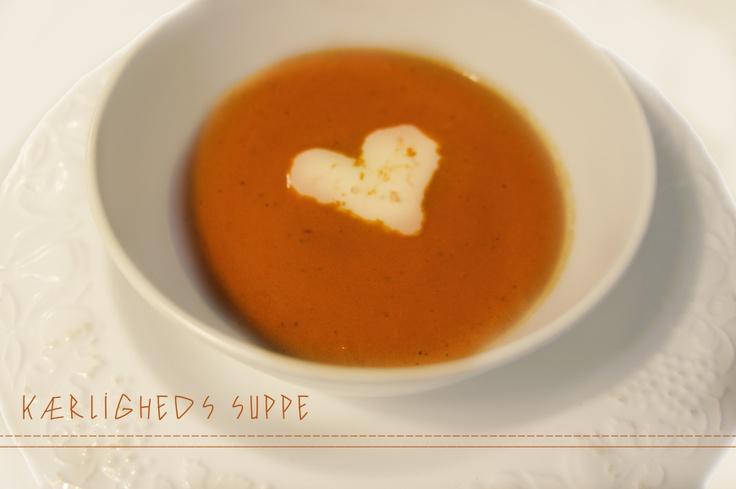 skøn skøn tomat suppe ! Love <3