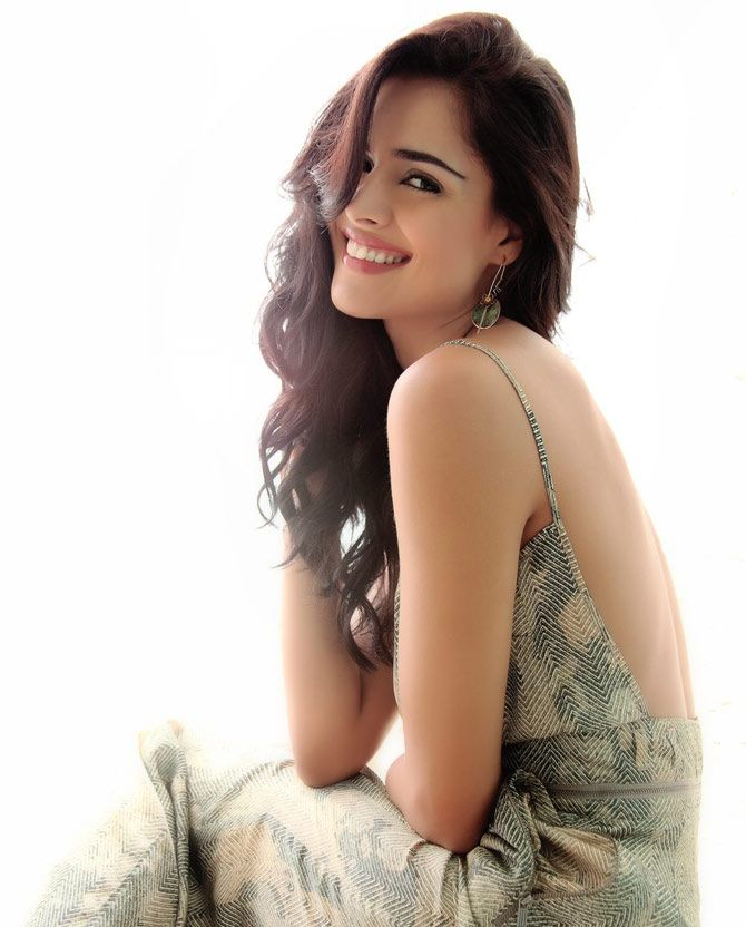 Nathalia Kaur posing with a lovely smile. #Bollywood #Fashion #Style #Beauty
