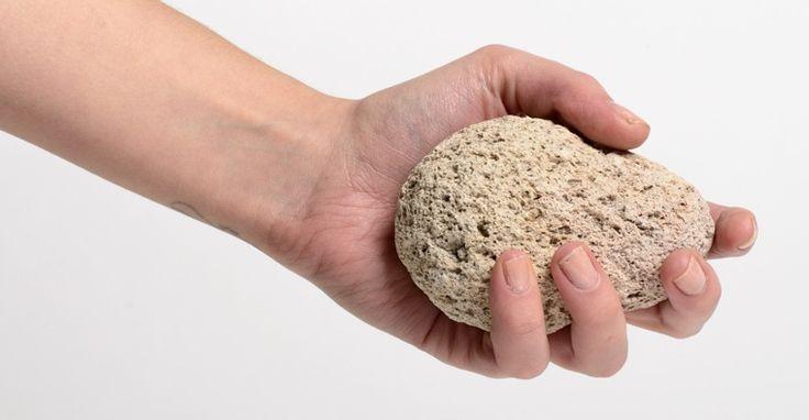 Olá pessoal!! Você provavelmente já ouviu falar dapedra-pomes, mas você conhece os benefícios dessa pedra? A pedra-pomesé um rocha vulcânicaque é, na realidade, a lava espumante solidificada qu…