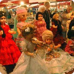 Kermispop. Ik heb er een gewonnen op de kermis bij de paardenmarkt in voorschoten. Had een lila jurk en mooi opgestoken blond haar.
