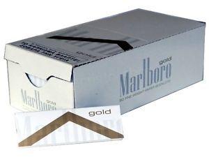 Foite Marlboro Gold pentru rulat tigari  Categorie: foite tigari  Un pachetel de Foite Marlboro Gold pentru rulat tigari contine 50 buc. foite.  Comenzi la tel: 0744545936 sau pe www.tuburipentrutigari.to
