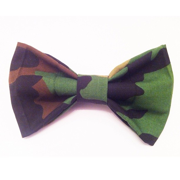 Limited Edition Camo Bow Tie by Niapsou Design
