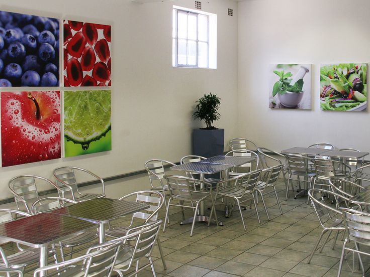 Renting artwork to display in a corporate office building or retail store is an easy way to instantly improve the look of the décor: