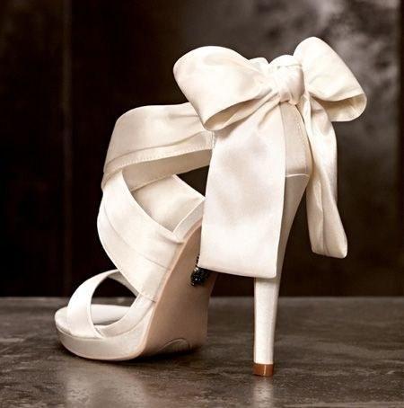 zapatos-de-novia-con-lazo