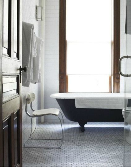 loving the different size subway tiles in this bathroom.