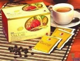 Maca Vita Café contiene polvere di caffè istantaneo, polvere di ginseng, polvere di Maca (Lepidium meyenii) ed estratto di Ganoderma. Il suo gusto viene migliorato dallo zucchero e dalla panna vegetale. Valore Nutritivo in 21 g (una bustina): Energia: 92,82 kcal; Carboidrati: 16,9 g; Proteine: 0,6 g Grassi: 2,5 g Maggiori info: www.simonetwork.dxnitaly.com