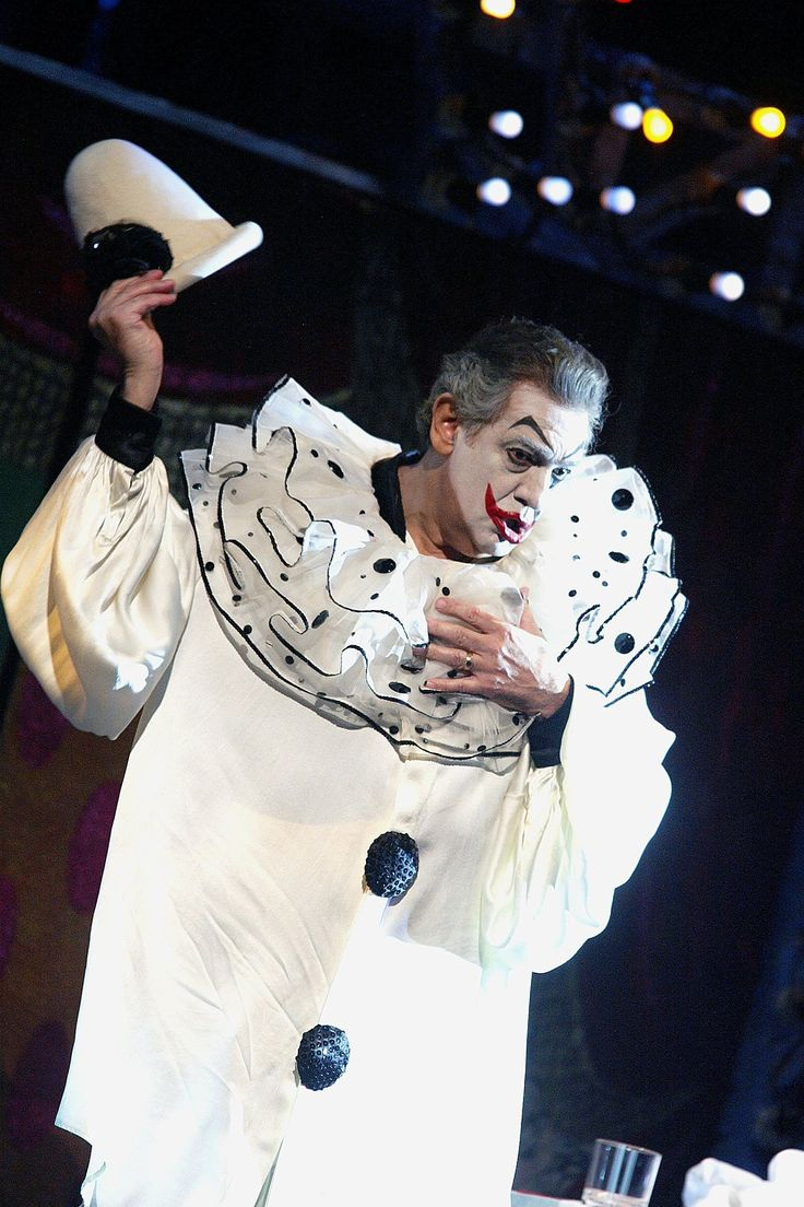 Placido Domingo on the opera stage - in pictures