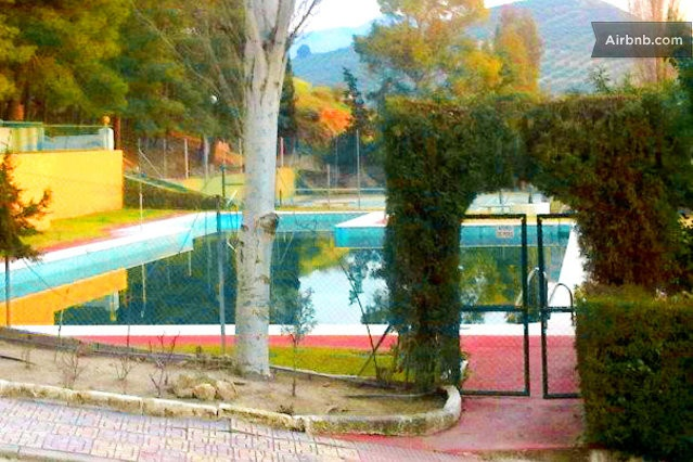 Jaen Centre - 68 euros al dia + 39 airnb 3 habitacions - 2 banys - piscina comunitaria
