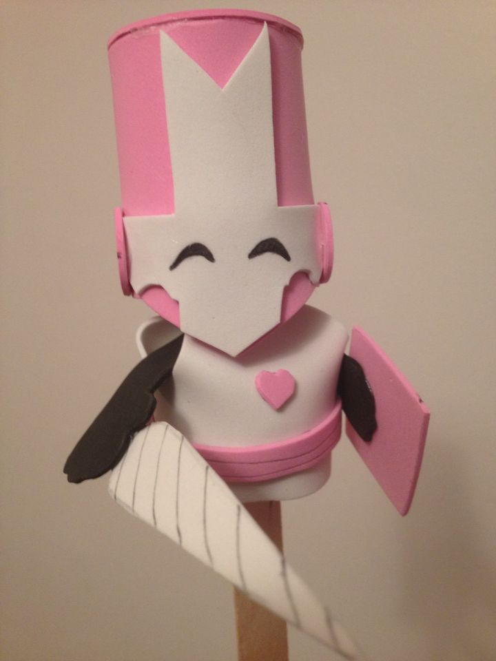 Castle Crashers foam puppet - Pink Knight