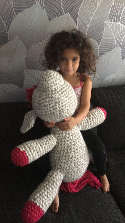 Min dotters häst hon själv designat❤️❤️ virkad av mig