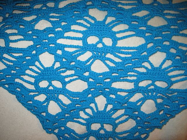 Crochet Pattern For Skull Shawl : Skull Shawl - English Translation Crochet Patterns ...