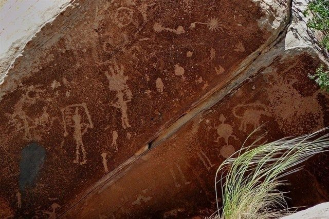 Localizan 108 petroglifos de hace más de 3.000 años en México | Noticias | teleSUR