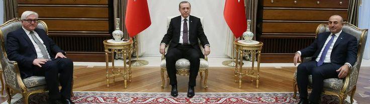 Außenminister Steinmeier mit dem türkischen Präsidenten DJANGO Erdogan und Außenminister Cavusoglu. | Bildquelle: dpa