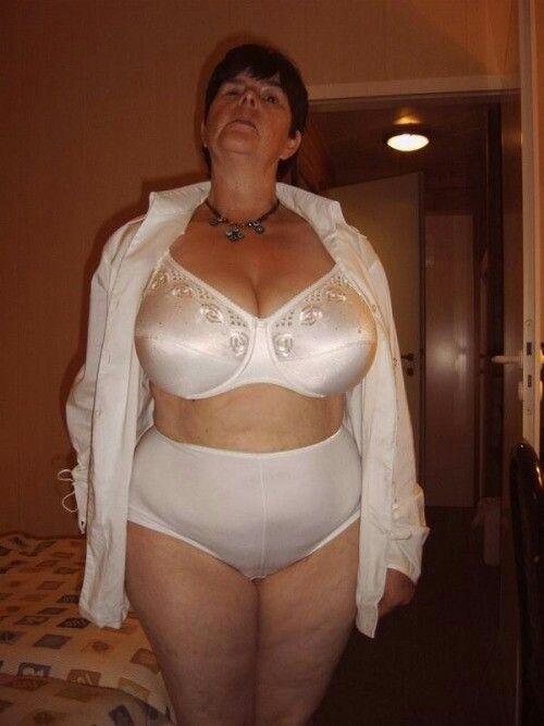 Julie ordon naked shower