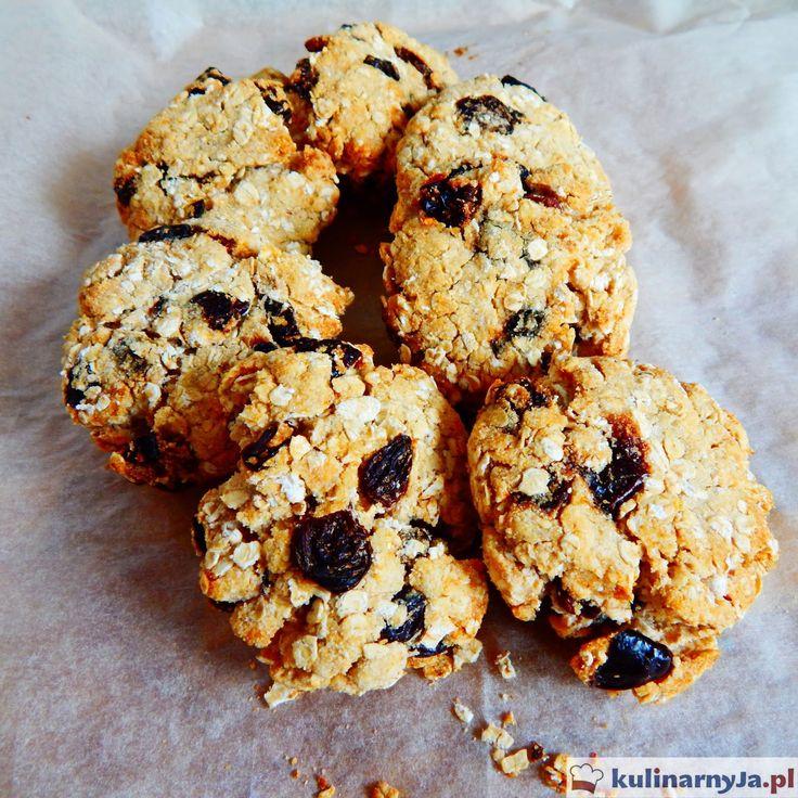 Ciasteczka owsiane z rodzynkami i suszonymi śliwkami (vegan)
